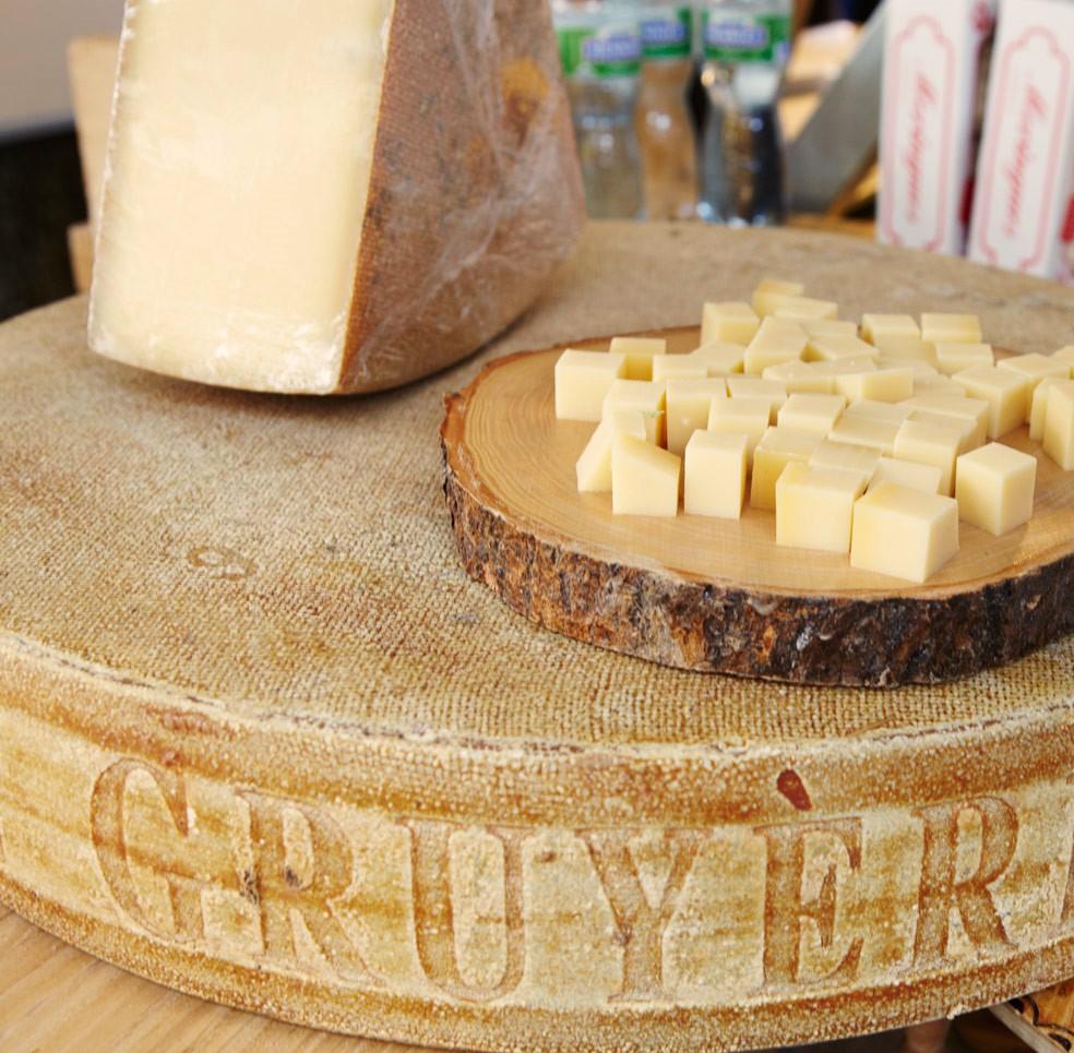 Швейцарский сыр. Грюйер