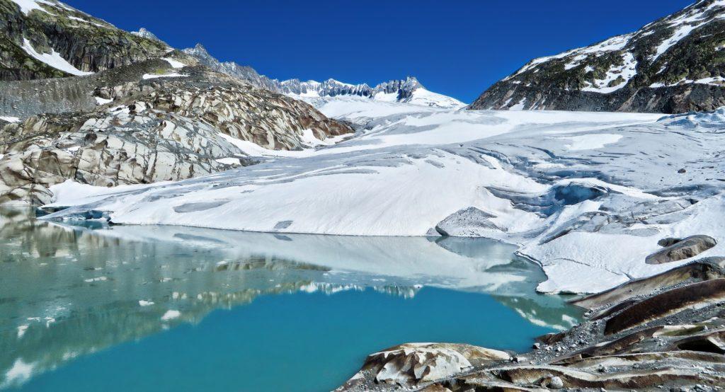 Ронский ледник с озером