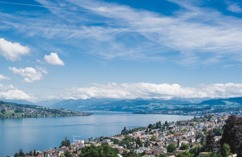 Цюрихское озеро в Швейцарии