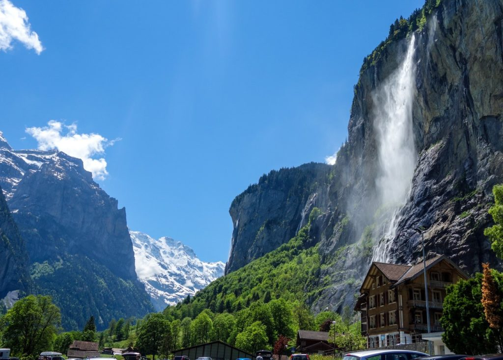 Подборка самых красивых водопадов Швейцарии