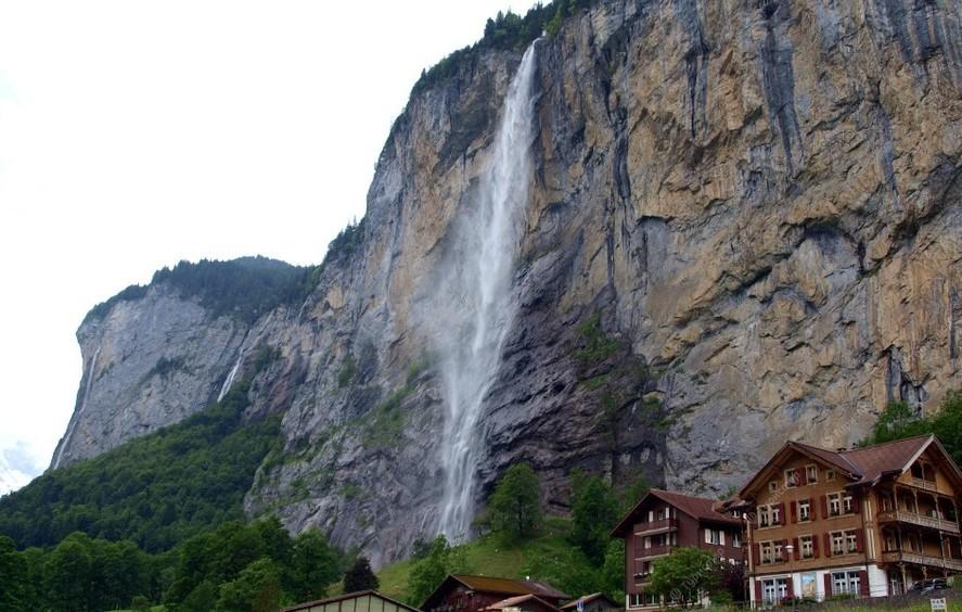 Штауббах Водопад в Швейцарии